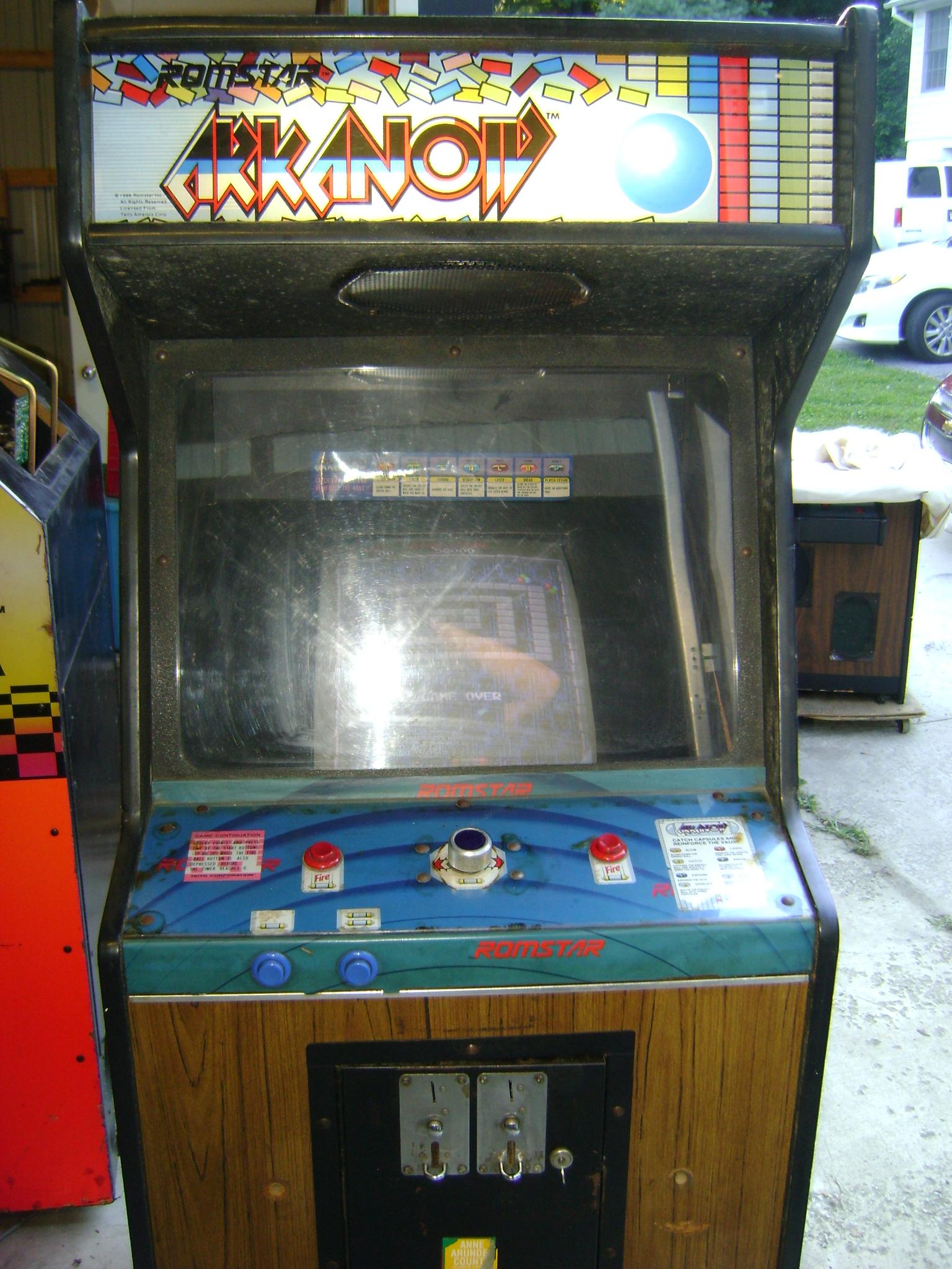 arkanoid arcade machine